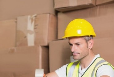 6 Ecommerce Shipping Solutions for the Overworked Seller